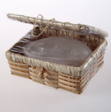 Кристалл  в бамбуковой шкатулке,  100 гр.